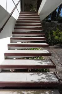 Escada em balanço.