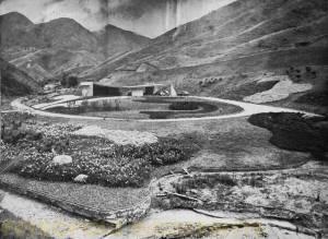 Vista geral da residência e dos jardins