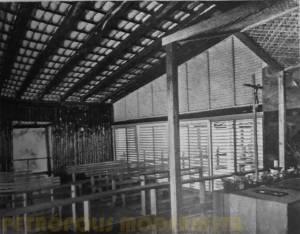 Predominância da madeira na Capela.